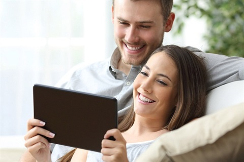 tablet-couple-smiling.jpg
